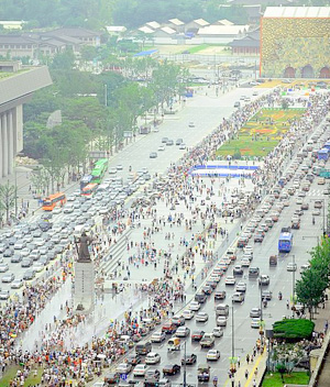 ソウル中心部に光化門広場