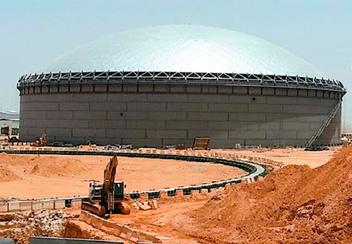 サウジに世界最大のドームカバー