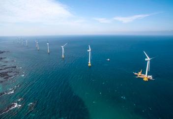 初の商業用洋上風力発電所完工