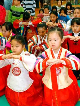 「韓国の新年風景」 希望に満ちた明るい一年に