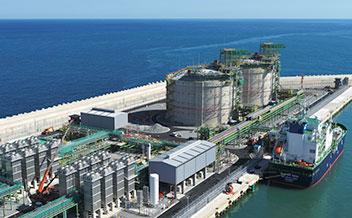 済州LNG基地が稼働