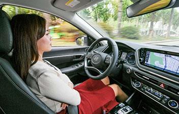 前方車との車間距離を自動維持
