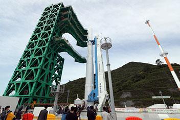 韓国型ロケット「ヌリ号」10月打ち上げ